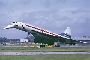 Concorde_landing_Farnborough_Fitzgerald