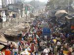 Market_Scene_Viewed_from_Howrah_Bridge_-_Kolkata
